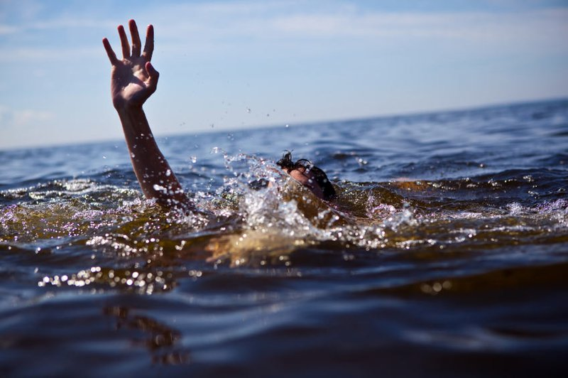 wp-content/uploads/2015/10/man-drowning.jpg