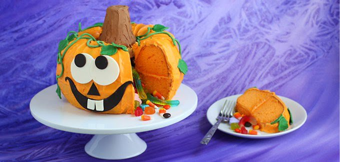 wp-content/uploads/2015/11/Pumpkin-Pinata-Cake-with-Candy-Spilling-Out-Hero-Shot-final.jpg